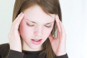 headache-girl